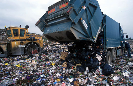 Managing waste in Lagos (PHOTO: Olumide Idowu)