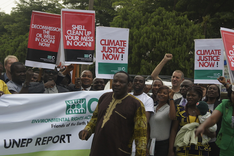 Campaigners demanding implementation of UNEP report on Ogoni (PHOTO: ClimateReporters/Atâyi Babs)