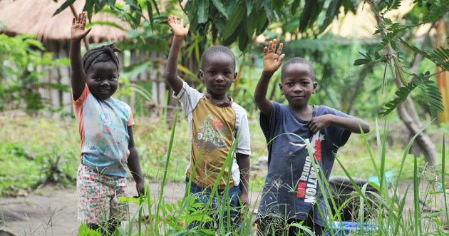 Children in Liberia, during the Ebola response in communities. (PHOTO: WHO)