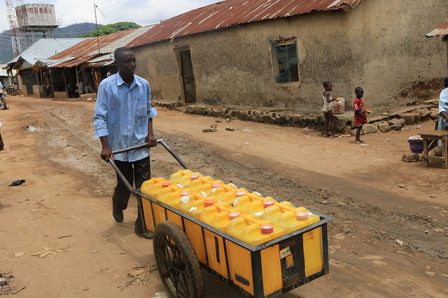 One of the ubiquitous water vendors in Iddo Sarki. (PHOTO: Mimiola Olaoluwa)