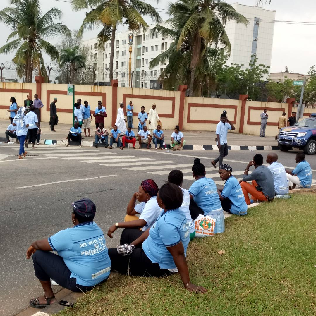 Activists protesting against the privatisation of water in Lagos, Nigeria 5 (PHOTO: ClimateReporters/Ugonma Cokey)