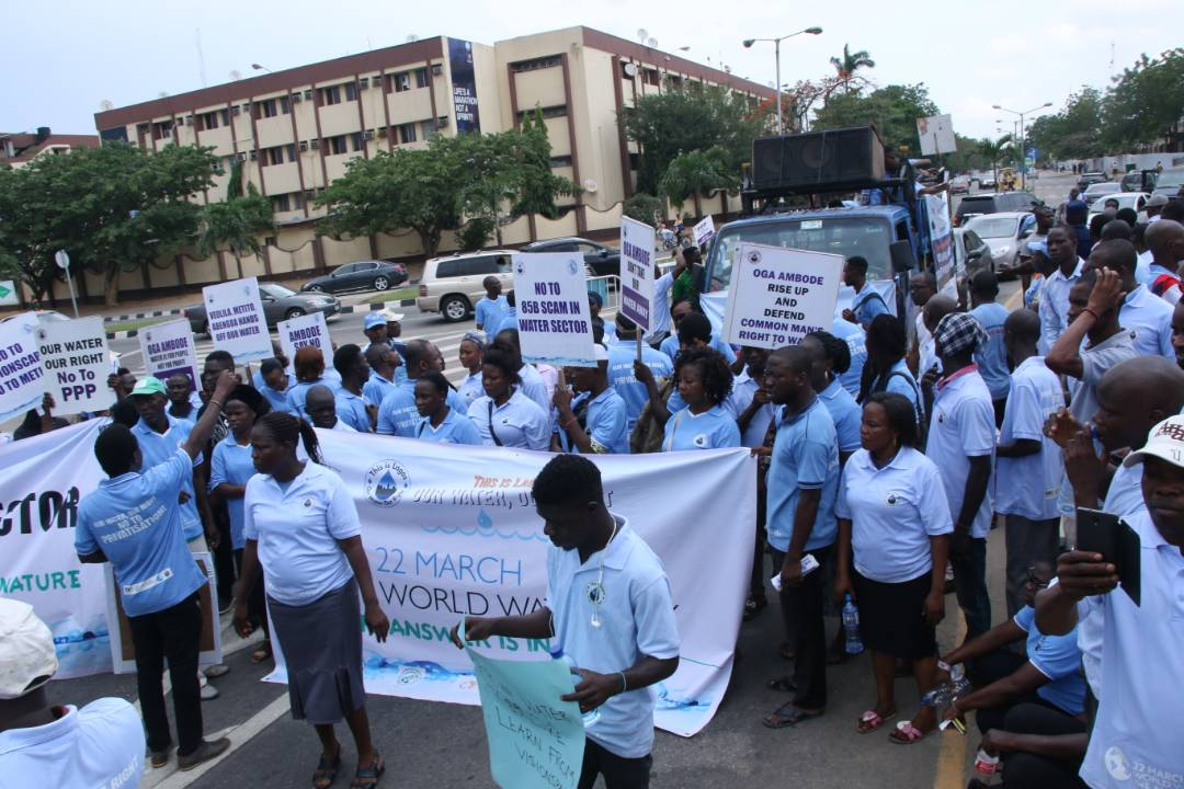Activists protesting against the privatisation of water in Lagos, Nigeria 2 (PHOTO: ClimateReporters/Ugonma Cokey)