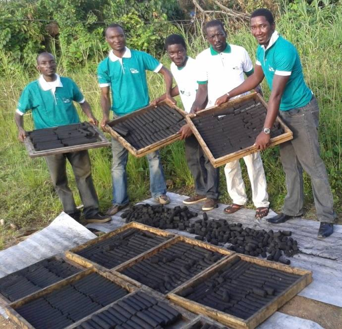 Cameroonian youths producing charcoal from household waste (PHOTO: ClimateReporters/Elias Ntungwe)